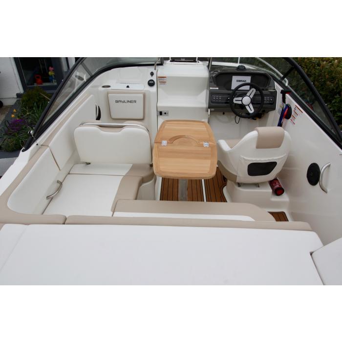 Boat Interior simrad dash.jpg