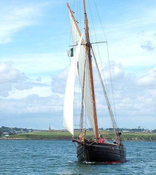 TRADITIONAL BEAUTY IN CORK HARBOUR