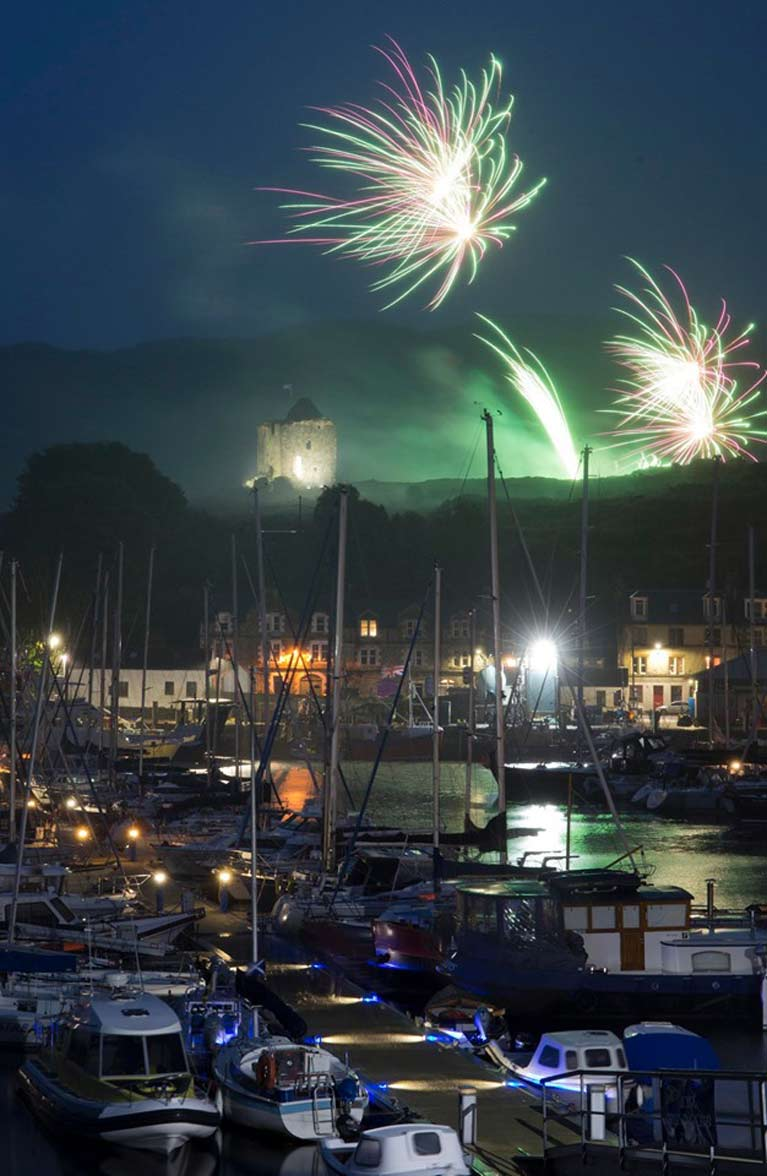 fireworks over tarbert8