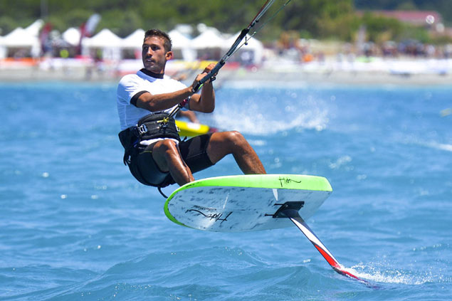 foiling kite surfing9