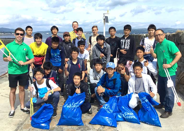 beach clean tokai students8