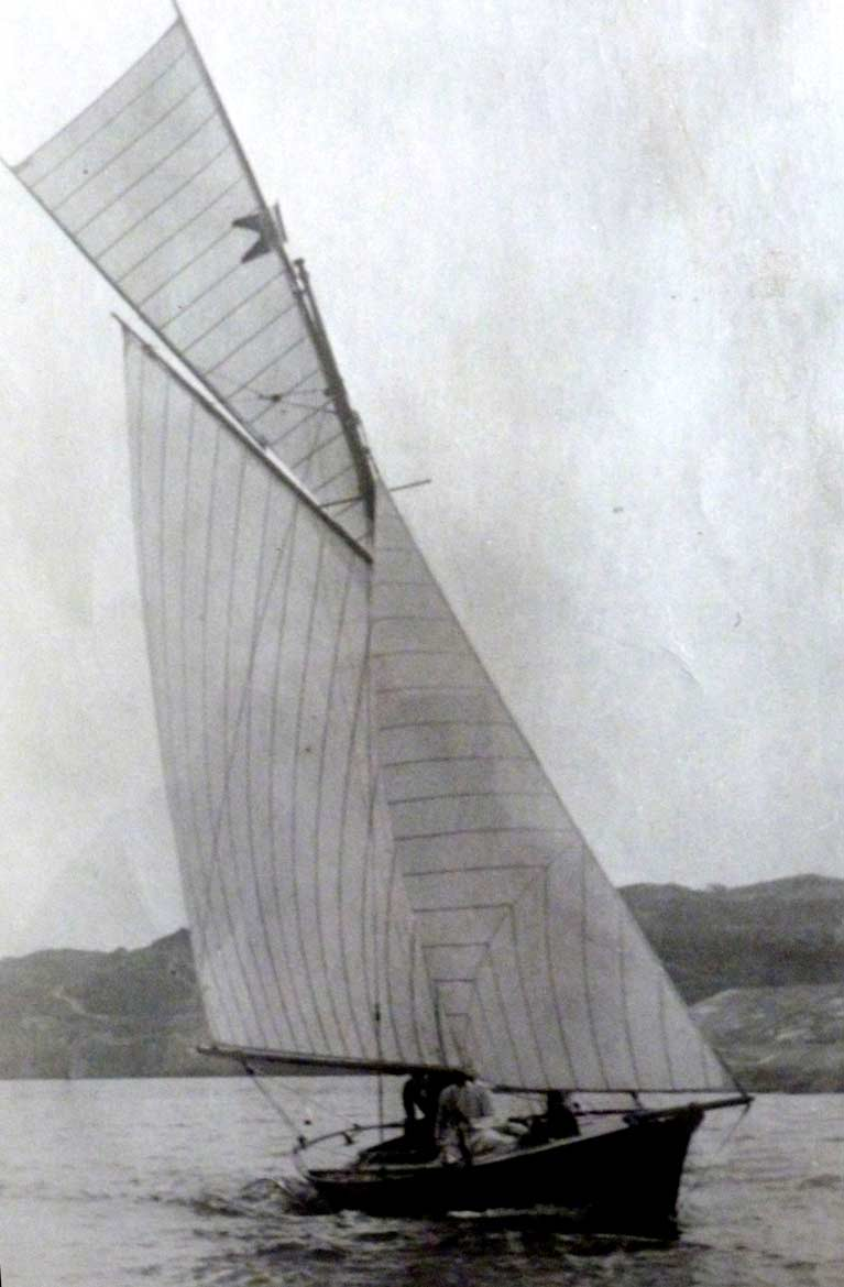 Eithne in 1895 sailing3