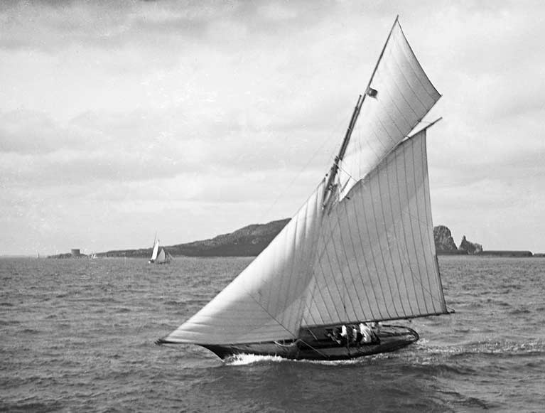 Marguerite 1896 sailing4