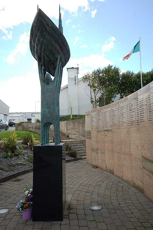 LOST SEAFARERS MEMORIAL IN DUNMORE EAST