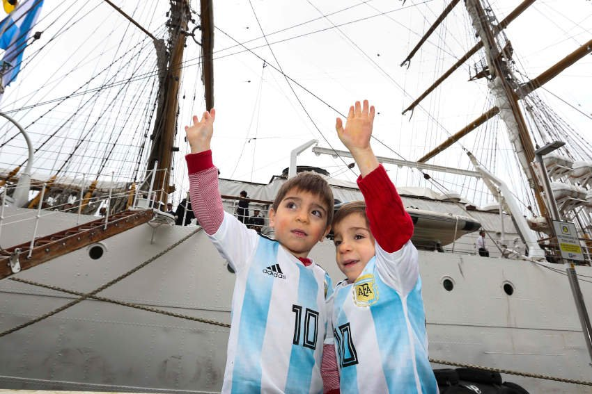 Young Argentineans greet the Libertad in Dublin