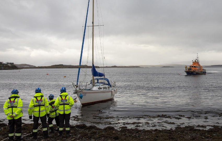 The yacht aground at Connel Bay in Oban (Photo: RNLI/Stephen Lawson)
