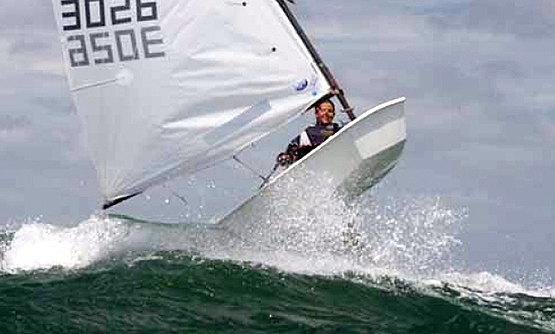 Optimist sailing2