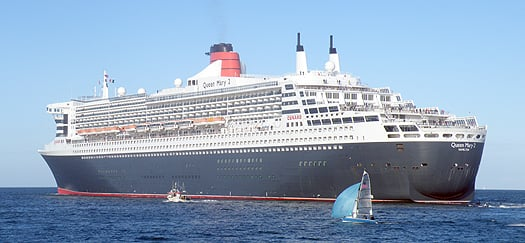 QM2underway
