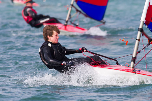 Topper_dinghy_sailing