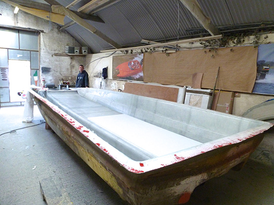cathedral hull raceboat11
