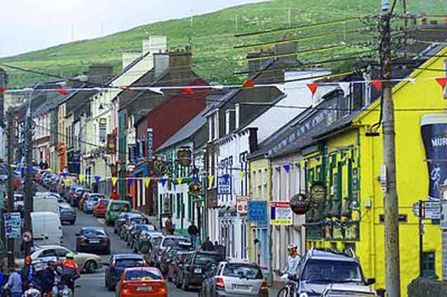 dingle town7