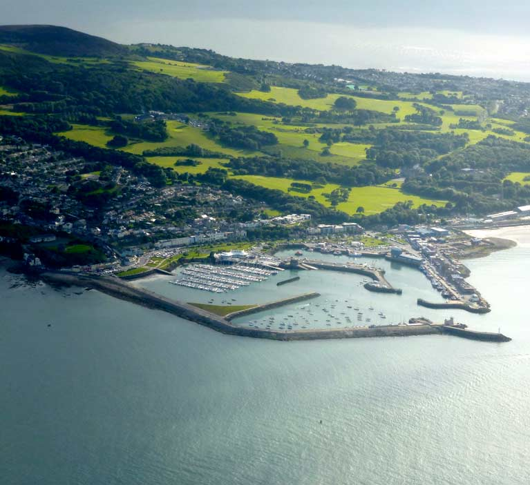 howth harbour and hill11a