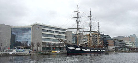 jeanie_on_liffey_berth