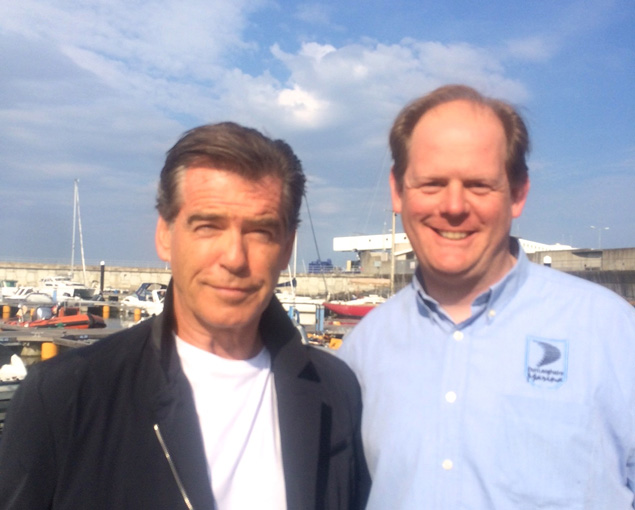 pierce brosnan paal10