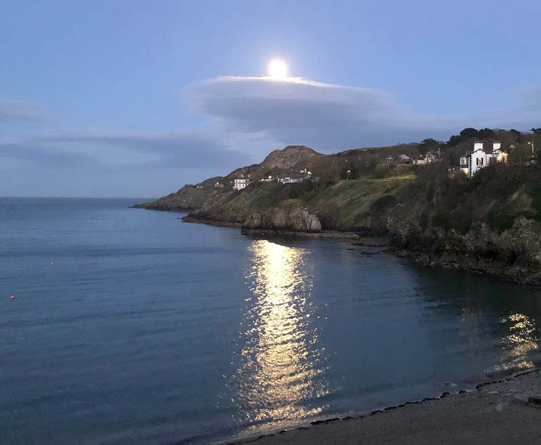 With a moon like this, anything can happen……spooky thoughts are evoked by Tuesday's super-moon over Balscadden Bay in Howth at a location of exceptional literary associations