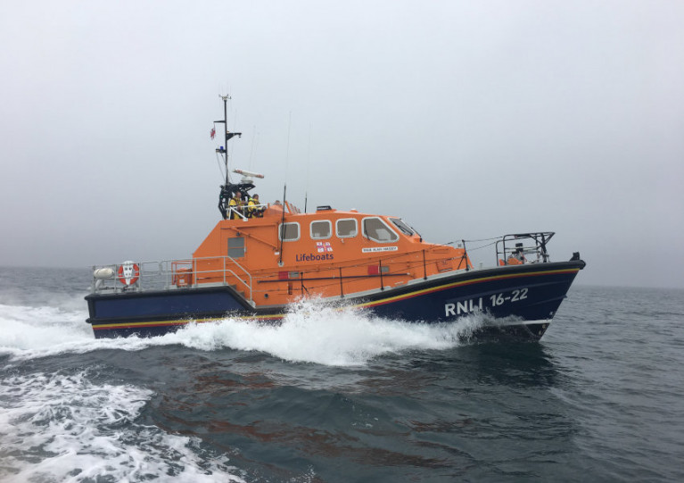 Baltimore Lifeboat Launches To Fishing Vessel With Engine Difficulties