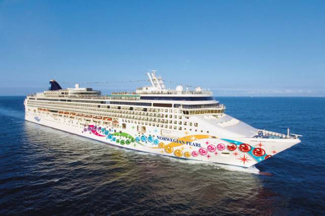 Norwegian Pearl a 'Jewel ' class cruiseship is to make a maiden anchorage call off Dun Laoghaire Harbour in season 2019