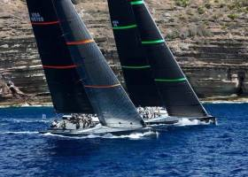 RORC Caribbean 600, and it's Wonderstart!!!! Hap Fauth's Bella Mente on port tack putting it over on Proteus, winner of the 2016 race, as the Ian Moore-navigated USA 45 calculates calling the cliffs to perfection as the gun goes