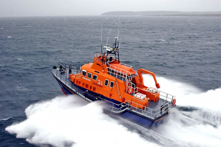 Aran Islands Lifeboat Launches for Double Medevac from Inis Mór