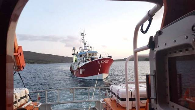 The 24-metre fishing boat, with five persons aboard, had lost all power and requested assistance