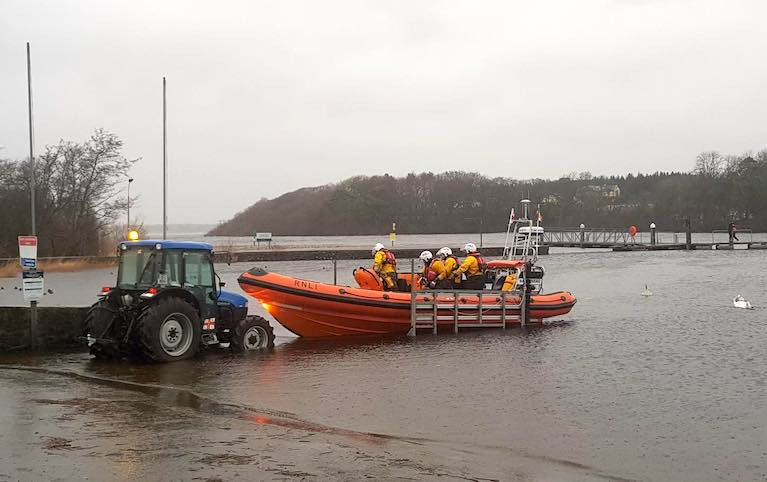 Lough Ree RNLI lifeboat launches to go in search of the two kayakers