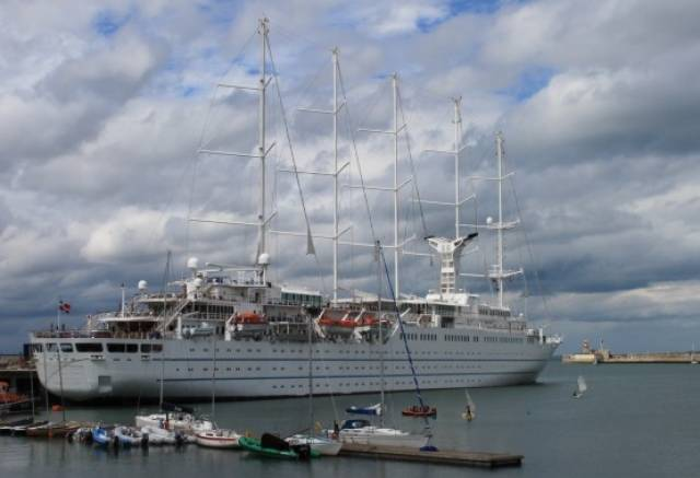 Wind Surf making the last cruise call of the season to Dun Laoghaire Harbour on 31 August