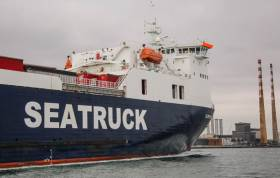 Seatruck Ferries 'Clipper Point' arrives into Dublin Port
