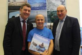 Dr Peter Heffernan CEO, Doug Allan (centre) with Marine Institute CEO Dr Peter Heffernan (left) and chairman Dr John Killeen