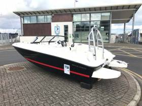 Starter pack for 2018 – The Bayliner Element 5 comes with a 60HP engine, a full safety kit, a two day professional tuition course, insurance for the first year and a marina berth for one year in the largest marina in Ireland at Dun Laoghaire