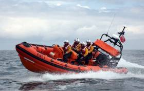 Kilkeel Lifeboats Assists Injured Fisherman Off Down Coast