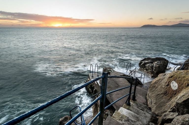 Swimmer Dies After Getting into Difficulty at Hawk Cliff on Killiney Bay