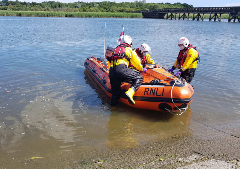 Wexford RNLI leaving Killurin after bringing five people to safety