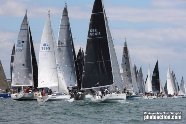 The huge starting-line of a kilometre in length was needed to accommodate the 85 boats