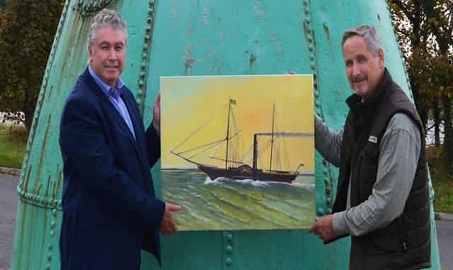 Drogheda artist Raymond Balfe (right) has brought the famous paddle steamer 'Town of Drogheda' back to life in an oil painting to commemorate the vessel's 190th anniversary. Pictured left is Paul Fleming DPC CEO