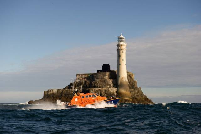Baltimore Lifeboat Responds To Drascombe Lugger Mayday