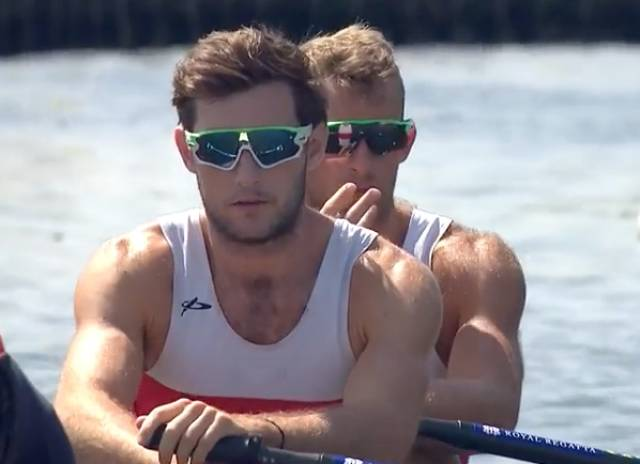 Paul O'Donovan and Gary O'Donovan at the start line at Henley
