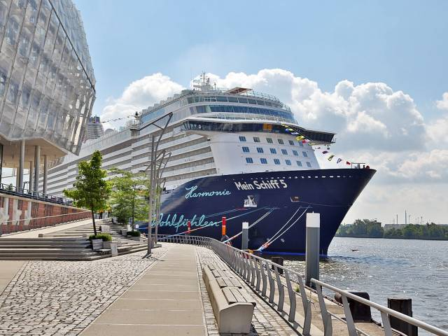 Mein Schiff 5, the newest cruiseship for German operator, TUI Cruises is to make her debut call to an Irish port beginning with Dublin Port tomorrow and followed by Cork (Cobh) on Saturday.