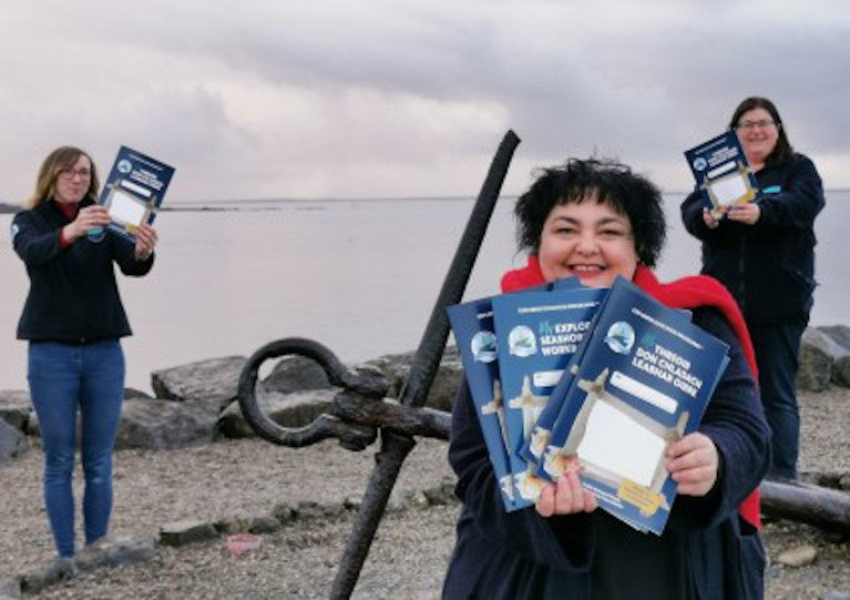 Cushla Dromgool-Regan with Anna Quinn and Dr Noirín Burke from the Explorers Education Programme with the new workbook