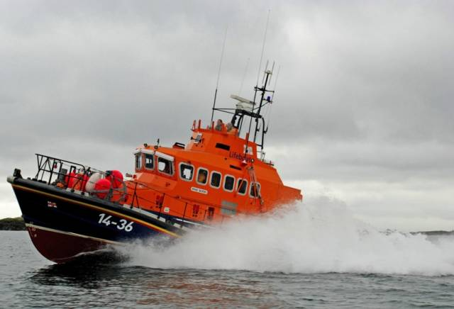 Donaghadee RNLI launch to the rescue at 25 knots