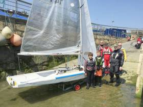 Fireballs threw out an open invite to sailors to try out the dinghy. Daniel Hrymak (12) and his friend Mark Henry (12) rocked up and went out for a spin from the DMYC
