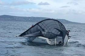Conor Clancy's Merlin was dismasted in the heavy wind conclusion of the 1720 East Coast Championships. There were two dismastings and two reported as 'bent'