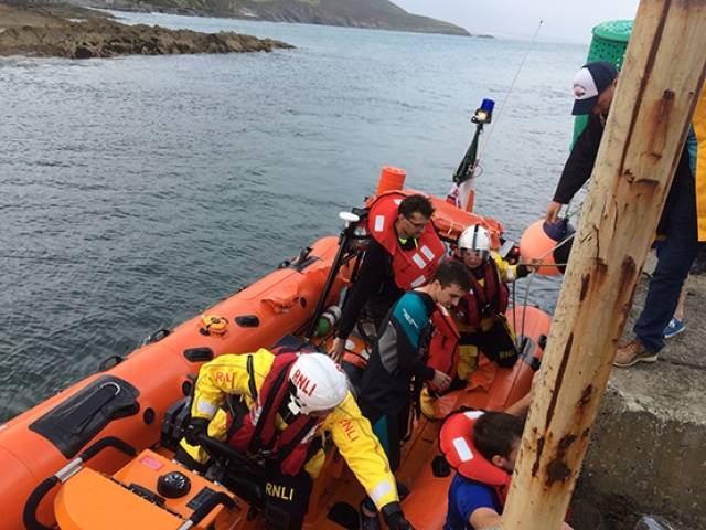 Courtmacsherry RNLI rescued the men close to rocks in West Cork