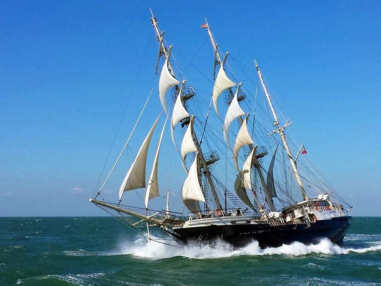 Tall Ship 'Tenacious' sailing in strong winds