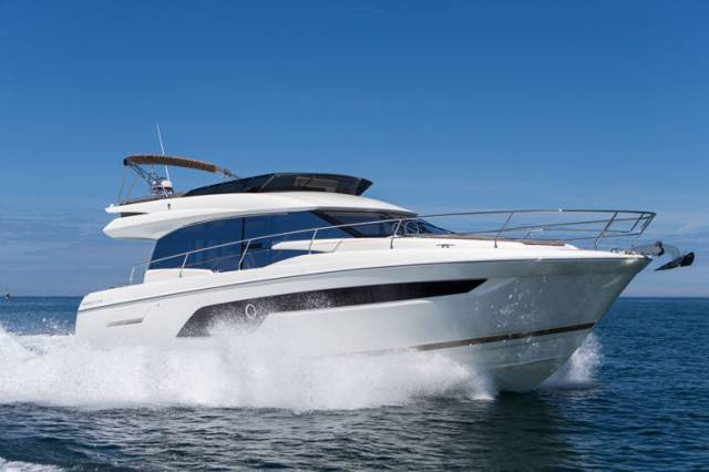 The Prestige 520 has an 'XXL' Flybridge, unique on a 52ft motor yacht, meaning that there is plenty of space for relaxing in comfort