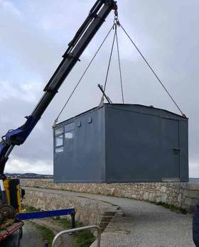 Used every Tuesday and Saturday the current DBSC hut was built by DMYC member Denis Nolan who also constructed the flag hoist. Due to Winter storms the hut base has been washed away from the back of the West Pier at Dun Laoghaire