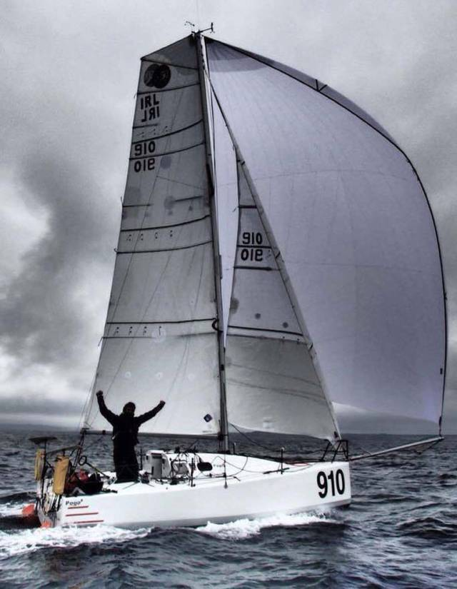 With the wind on his starboard quarter, Tom Dolan is storming along for Aviles