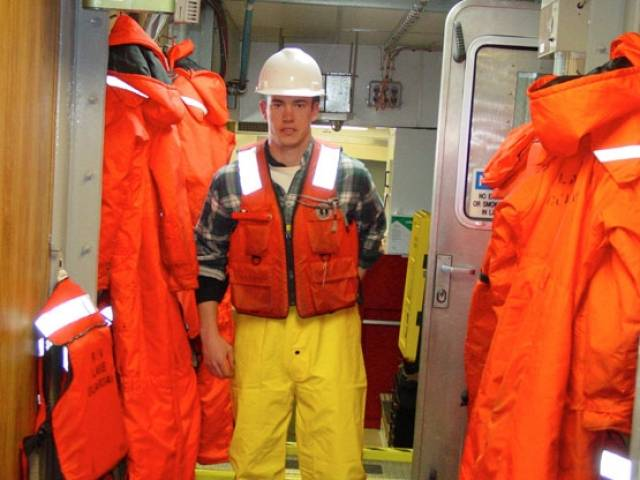 Marine Notice On Legal Requirements For Lifejackets & Buoyancy Aids