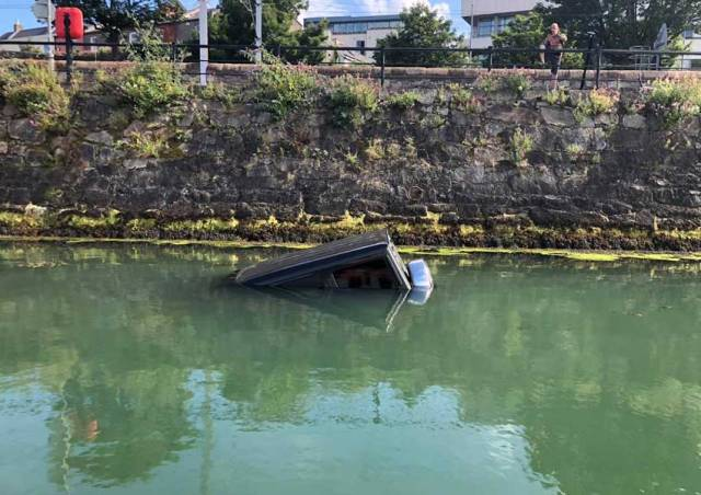 A 4x4 vehicle sinking in Dun Laoghaire Harbour on Wednesday afternoon