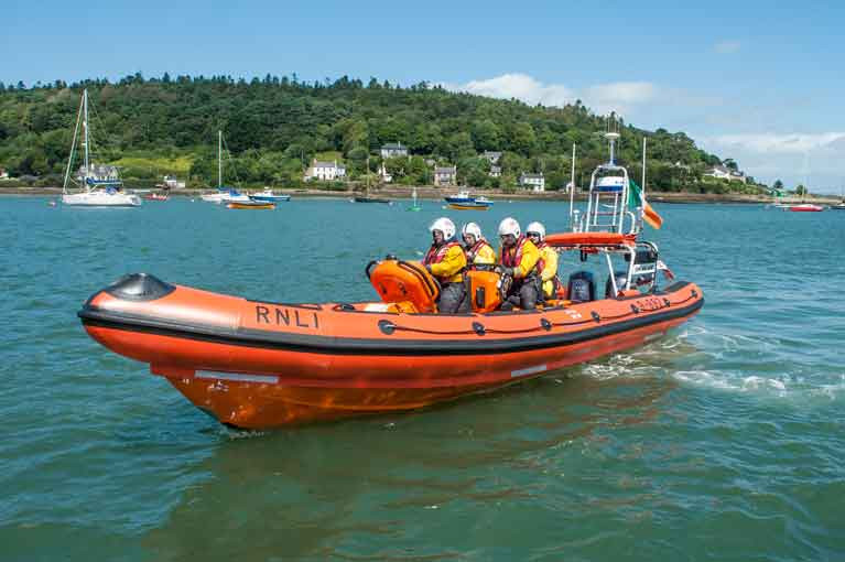 The RNLI in Crosshaven assisted the diver
