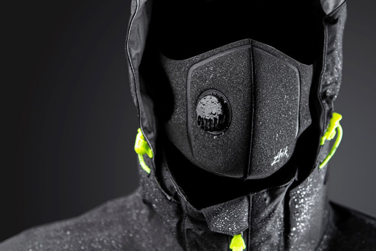 The new Zhik mask - When it gets wet with the spray of the bow, it still feels very comfortable